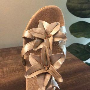 Boc cream Metallic Leather Flower Sandal Wedge